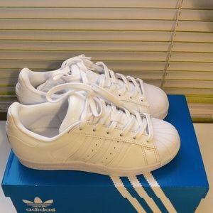White SuperStar Adidas US size 5